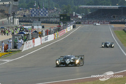 Second lap: #7 Team Bentley Bentley Speed 8: Tom Kristensen, Rinaldo Capello, Guy Smith, and #8 Team Bentley Bentley Speed 8: Johnny Herbert, David Brabham, Mark Blundell