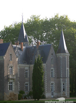 Motorsport.com's headquarters during the 2003 24 Hours of Le Mans: the Château de Montriou