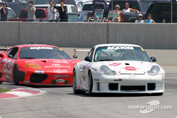 The #25 Rosser Racing Porsche fends off the #33 Scuderia Ferrari of Washington 360GT.