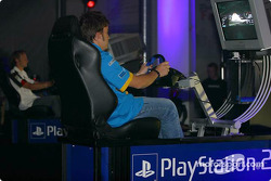Fernando Alonso tries PlayStation 2