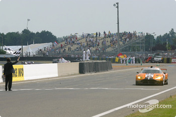 #85 Team Orange Spyker Spyker C8 Double12R: Norman Simon, Hans Hugenholtz, Tom Coronel takes the checkered flag