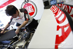 Honda mechanic