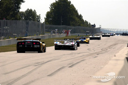 The field heads to pace lap