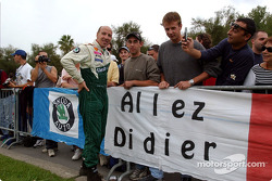 Didier Auriol poses with his fans