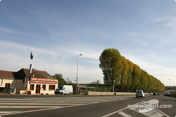 Tertre Rouge: where are the race cars?