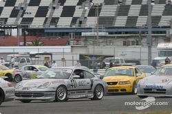 #40 The Race Site.com Porsche 996: Joe Masessa, Will Nonnamaker, Joe Nonnamaker