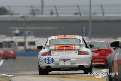 #63 North Shore Racing Porsche 996: Henry Gilbert, John Sturm