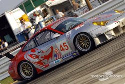 #45 Flying Lizard Motorsports Porsche 911 GT3RS: Johannes van Overbeek, Darren Law, Jon Fogarty