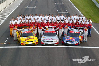 Family picture for the Audi DTM works teams