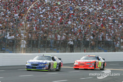 First lap: Jimmie Johnson leads Jeff Gordon