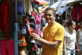Marcel Fassler in Xiangyang market