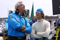Jarno Trulli and Flavio Briatore on the starting grid