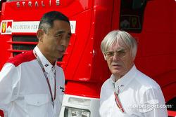 Director of Bridgestone Motorsport Hiroshi Yasukawa and Bernie Ecclestone