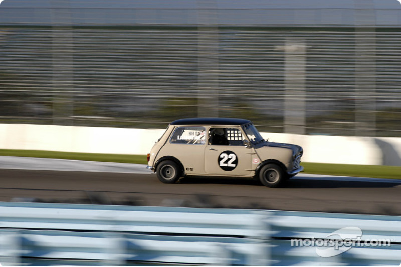 1962 mini cooper s of maryo lamothe at watkins glen vintage grand prix. Black Bedroom Furniture Sets. Home Design Ideas