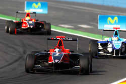 James Jakes leads Roberto Merhi