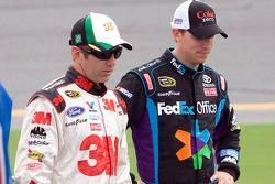 Greg Biffle, Roush Fenway Racing Ford and Denny Hamlin, Joe Gibbs Racing Toyota