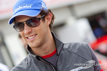 Bruno Senna, HRT F1 F110-02 talks with iSport engineers Richard Selwin and Gavin Jones