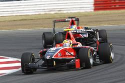 Rio Haryanto leads Adrian Quaife-Hobbs