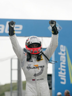 Race winner Gary Paffett, Team HWA AMG Mercedes C-Klasse celebrates