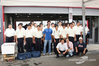 Vitor Meira, A.J. Foyt Enterprises with fans
