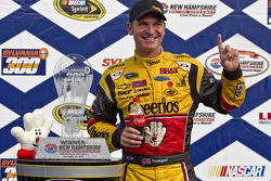 Victory lane: race winner Clint Bowyer, Richard Childress Racing Chevrolet