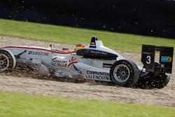 Roberto Merhi, Mücke Motorsport Dallara F308 Mercedes spins