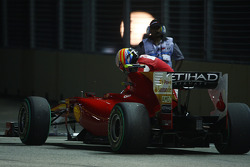 Fernando Alonso, Scuderia Ferrari stops on circuit