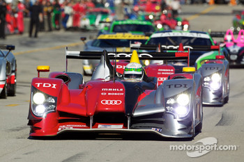#7 Audi Sport Team Joest Audi R15: Rinaldo Capello, Tom Kristensen, Allan McNish heads to recon lap
