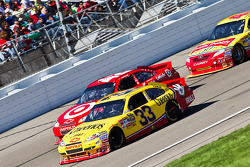 Clint Bowyer, Richard Childress Racing Chevrolet and Juan Pablo Montoya, Earnhardt Ganassi Racing Chevrolet