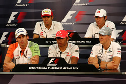 Adrian Sutil, Force India F1 Team, Sakon Yamamoto, Hispania Racing F1 Team, Lewis Hamilton, McLaren Mercedes, Kamui Kobayashi, BMW Sauber F1 Team,Michael Schumacher, Mercedes GP