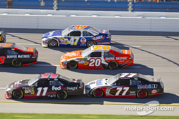 Denny Hamlin, Joe Gibbs Racing Toyota, Sam Hornish Jr., Penske Racing Dodge, Joey Logano, Joe Gibbs Racing Toyota, Marcos Ambrose, JTG Daugherty Racing Toyota
