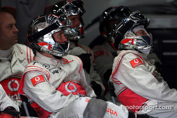 Mclaren mechanic watch the race