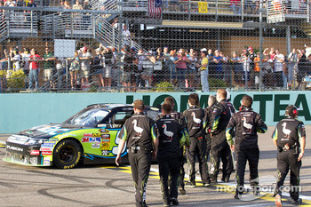 Race winner Carl Edwards, Roush Fenway Racing Ford celebrates with his team