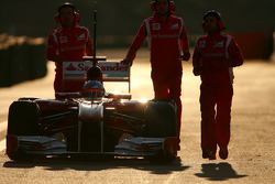 Fernando Alonso, Scuderia Ferrari stops on track at the end of the session