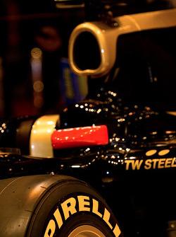 2011 Lotus Renault GP black and gold F1 car livery