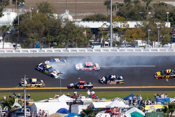 David Reutimann, Michael Waltrip Racing Toyota and Michael Waltrip, Michael Waltrip Racing Toyota crash