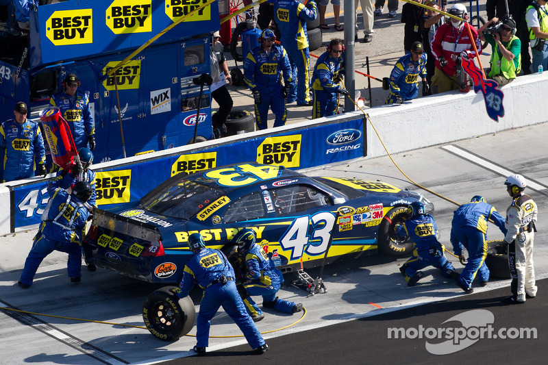 Pit stop for A.J. Allmendinger, Richard Petty Motorsports Ford