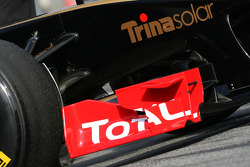 Lotus Renault GP front wing detail