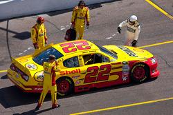 Kurt Busch, Penske Racing Dodge heads to pace laps