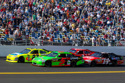 Restart: Paul Menard, Richard Childress Racing Chevrolet and Kasey Kahne, Red Bull Racing Team Toyota lead Tony Stewart, Stewart-Haas Racing Chevrolet and Juan Pablo Montoya, Earnhardt Ganassi Racing Chevrolet