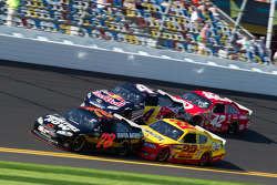 Regan Smith, Furniture Row Racing Chevrolet, Kurt Busch, Penske Racing Dodge, Kasey Kahne, Red Bull Racing Team Toyota, Juan Pablo Montoya, Earnhardt Ganassi Racing Chevrolet