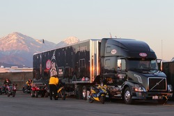 Full Throttle Tech Services Semi with the California foothill mountains in the background during the sunset