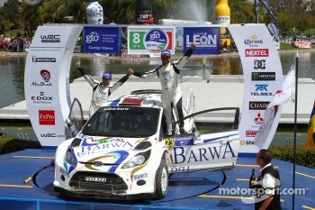 Podium: A2 class winners Nasser Al-Attiyah and Giovanni Bernacchini, Ford Fiesta S2000