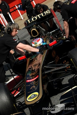 Aero updates for Lotus Renault at Valencia