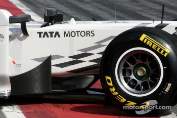 Hispania Racing F1 Team unveils the new F111, technical detail