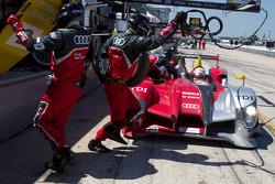 Pit stop for #2 Audi Sport Team Joest Audi R15+: Rinaldo Capello, Tom Kristensen, Allan McNish