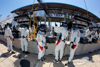 BMW Motorsport team members after a pit stop