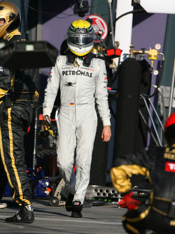Nico Rosberg, Mercedes GP Petronas F1 Team retires from the race