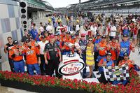 NASCAR XFINITY Foto - Il vincitore della gara Kyle Busch, Joe Gibbs Racing Toyota