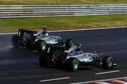 Nico Rosberg, Mercedes AMG F1 W07 Hybrid und Lewis Hamilton, Mercedes AMG F1 W07 Hybrid